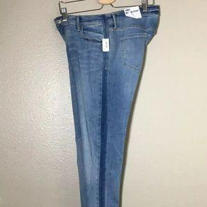 Old Navy • Jeans Mid-Rise Rockstar Super-Skinny